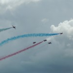 red-arrows-together